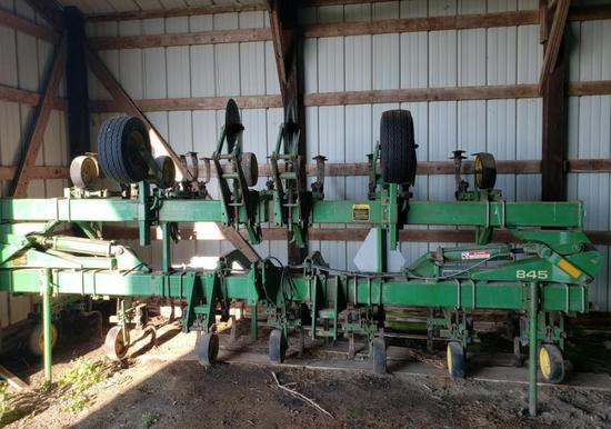 "JD 845 12 row 30"" cultivator"