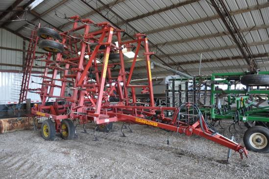 Sunflower 5034 29' field cultivator