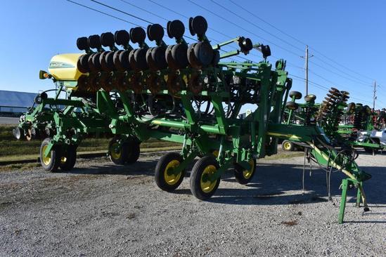 "2005 John Deere 1790 24 row 20"" planter"