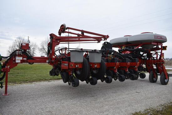 "2012 Case IH 1250 16 row 30"" planter"