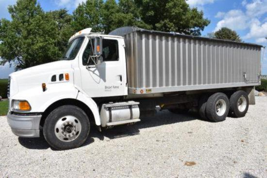 1998 Ford Louisville tandem axle grain truck