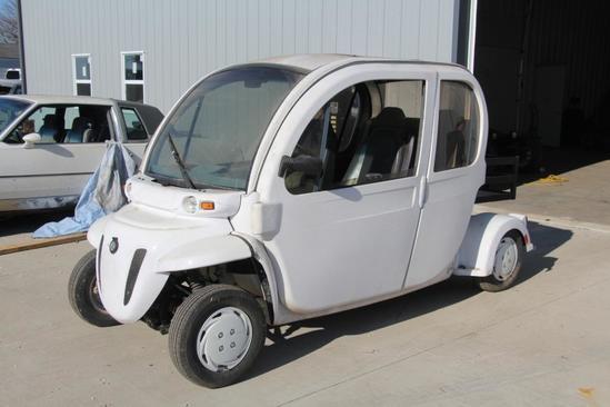 2007 GEM E4 electric car
