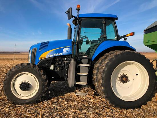 2009 New Holland T8010 MFWD tractor