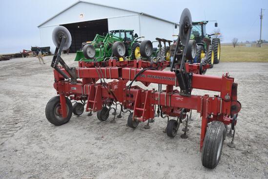 "Case IH 183 8 row 30"" cultivator"