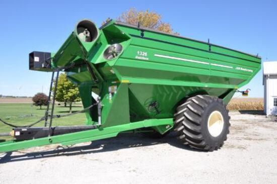J&M 1326-22S grain cart