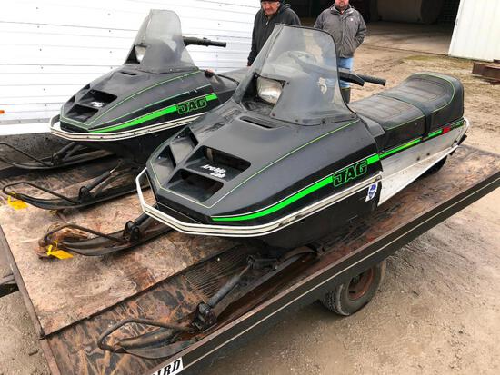 Arctic Cat Jag 3000 F/C snow mobile