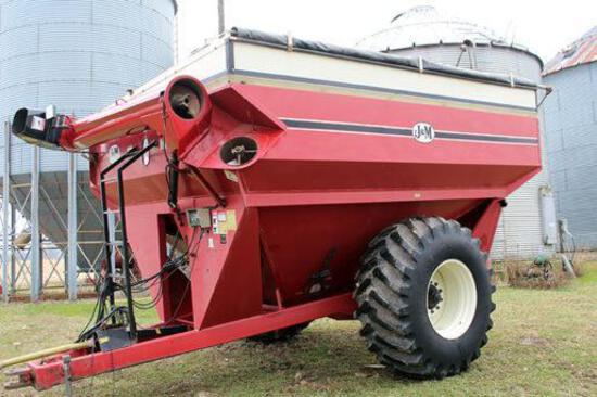J&M 825-14 grain cart