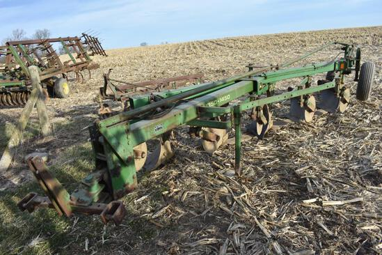 John Deere 1350-1450 5-bottom plow