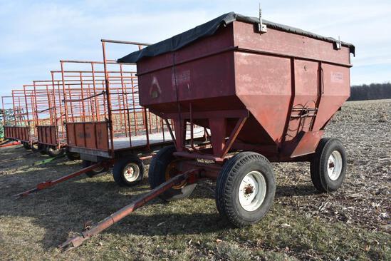 Unverferth 300 bu. gravity wagon