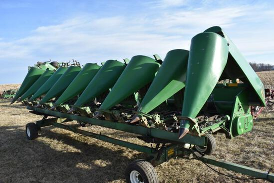 "1997 John Deere 893 8 row 30"" corn head"