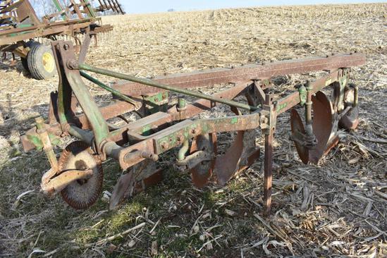 John deere 3-pt. 3-bottom plow