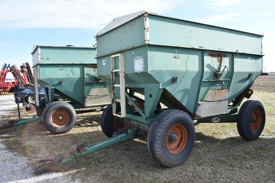 J&M 350-20 gravity wagon