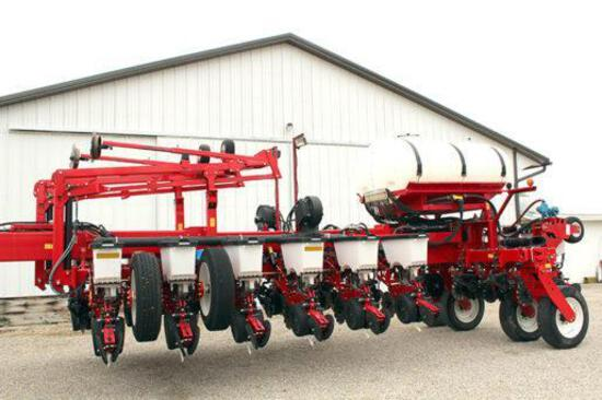 "2014 White 9800 16 row 30"" planter"