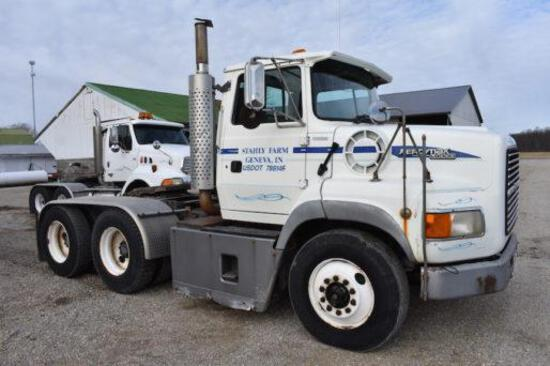 1995 Ford Aeromax L9000 day cab semi