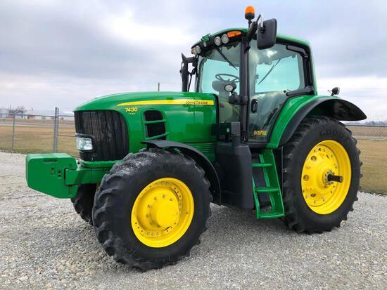 2011 John Deere 7430 Premium MFWD tractor