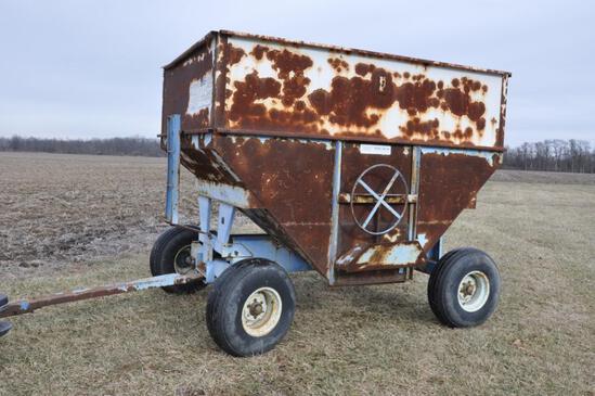 DMI 400 bu. gravity wagon