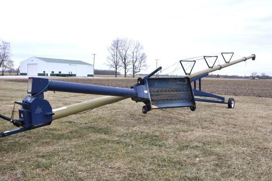 "Harvest International 1072 10""x72' swing-away auger"