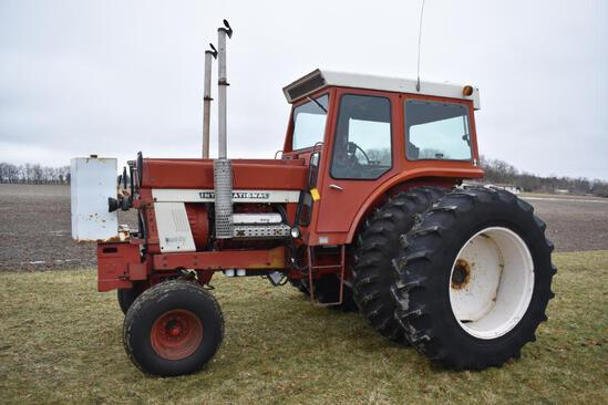 1974 IH 1468 V8 tractor