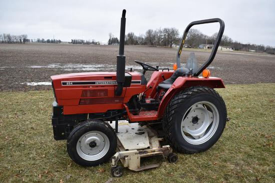 1985 IH 254 utility tractor
