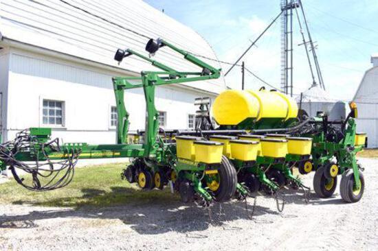"2013 John Deere 1770NT 12 row 30"" planter"