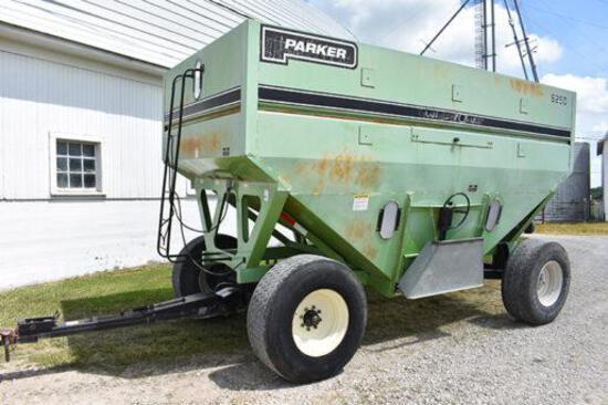 Parker 6250 Grain Chariot gravity wagon