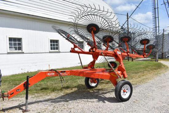 Kuhn SR110 Speedrake 10-wheel rake