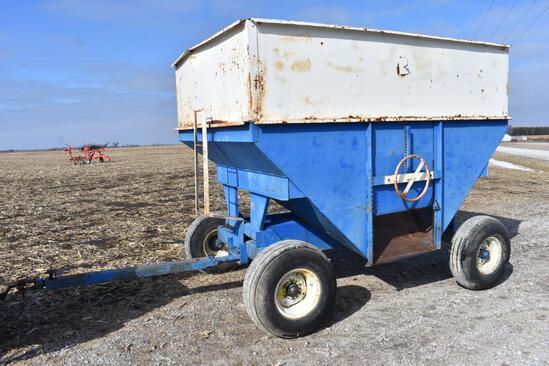 DMI D400 gravity wagon