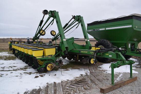 "1993 John Deere 7200 24 row 30"" planter"