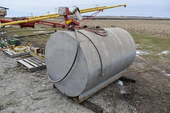 500 gal. fuel tank with pump