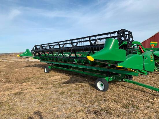 2017 John Deere 630F 30' HydraFlex platform