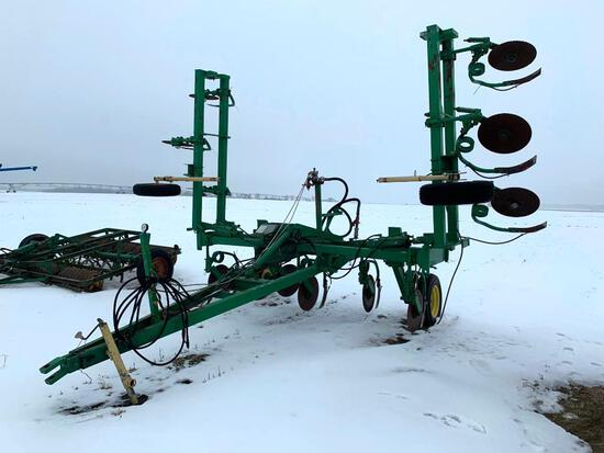 DMI 27' NH3 applicator