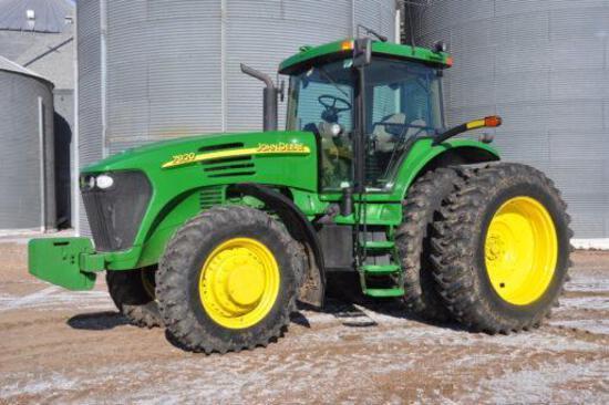 2005 John Deere 7920 MFWD tractor