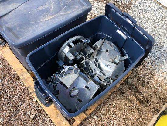 (8) JD vacuum meters