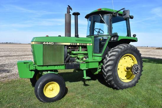 1982 John Deere 4440 2wd tractor