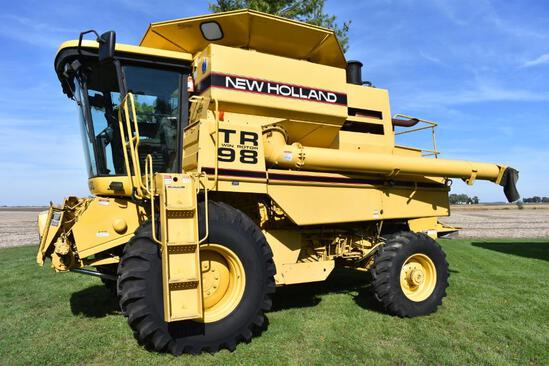 1997 New Holland TR98 4wd combine