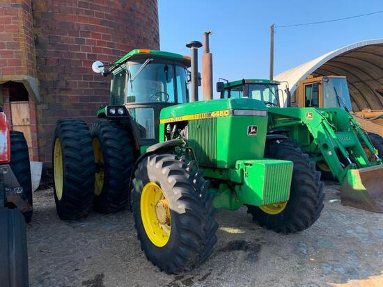 John Deere 4450 MFWD tractor