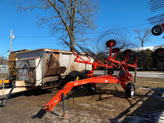 Kuhn SR112 Speedrake 12-wheel rake