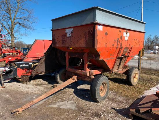 200 bu. gravity wagon on gear