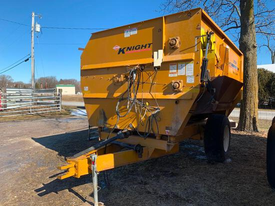Kuhn Knight 3136 Reel Auggie feed wagon w/ Weigh Tronix scale - One owner