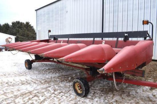 "Case IH 1083 8 row 30"" corn head"