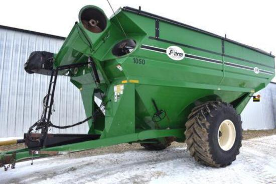 J&M 1050 grain cart
