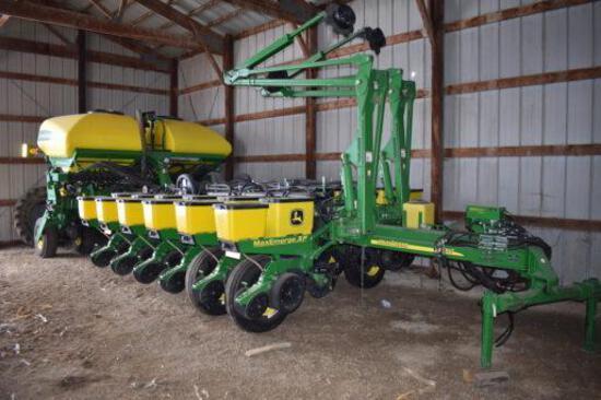 "2011 John Deere 1770NT CCS 16 row 30"" planter"