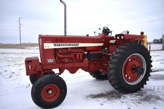 1968 International 856 Farmall 2wd tractor
