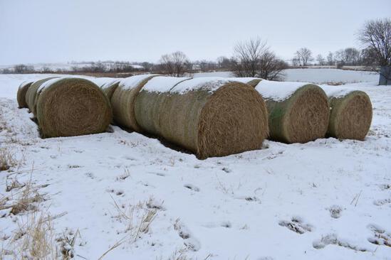 (25) 2019 second cutting grass round bales