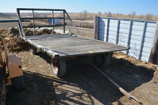 8'x16' hay rack on gear