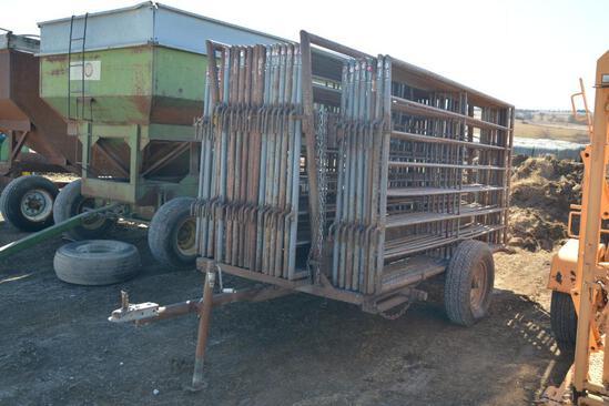 Stroberg loading chute & (32) 10' corral panels