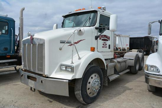 2006 Kenworth T800 day cab semi