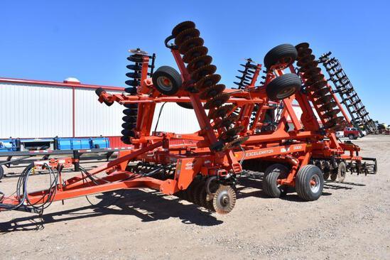 2013 Kuhn Krause 8000 Excelerator 30' vertical tillage tool