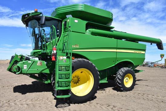2013 John Deere S670 2wd combine