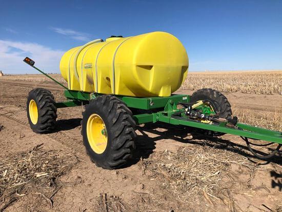 Patriot 1,600 gal. all-wheel steer pull-behind cart